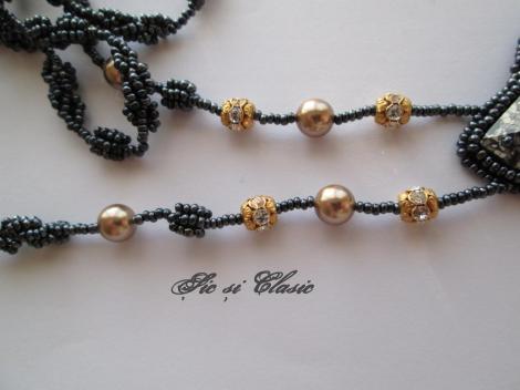 colier perle si elemente Swarovski - detaliu