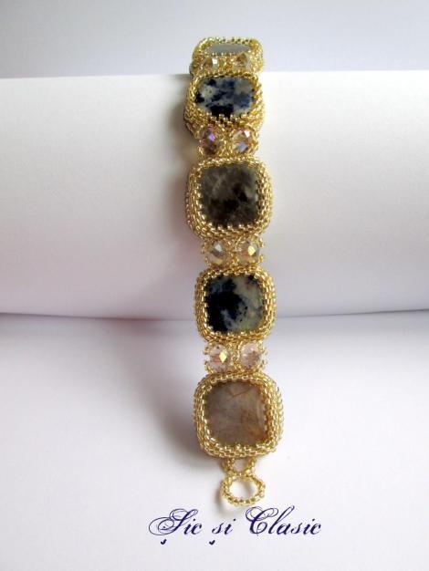 Adelina Maries bracelet design