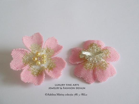 flori roz