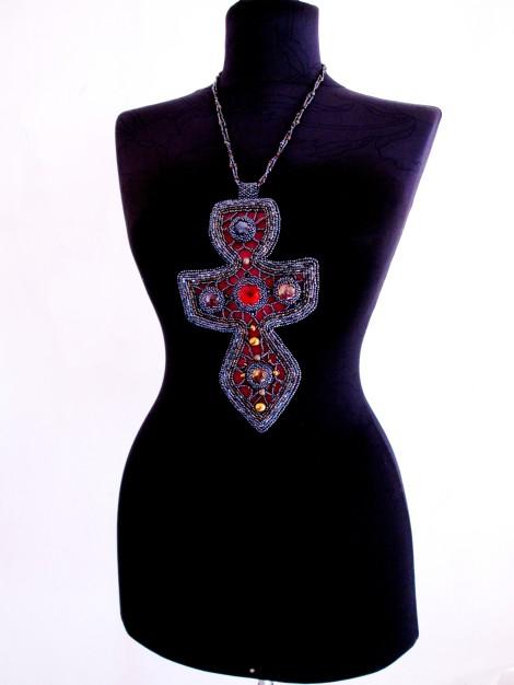 Adelina Maries fashion designer bijuterii Sic si Clasic